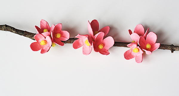 craftsbyamanda_egg_carton_cherry_blossom_02