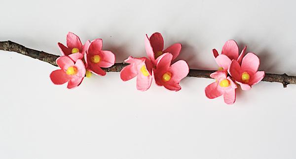 craftsbyamanda_egg_carton_cherry_blossom_02