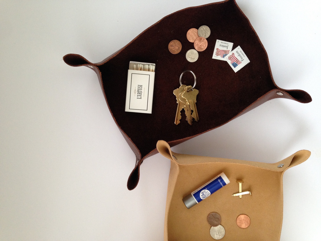 Make a  Collapsible Leather Coin and Key Tray