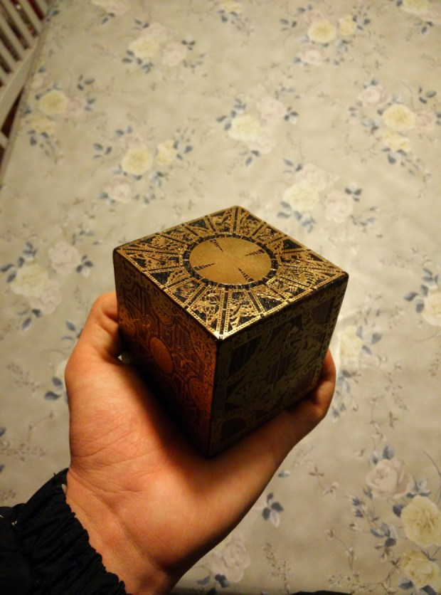 Robin Nylund's Lament Configuration puzzle box was created using wood and etched 0.1mm brass sheets.