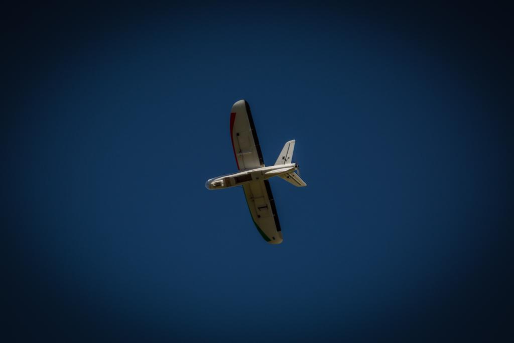 Building Drones to Deliver Food in Syrian War   Make: