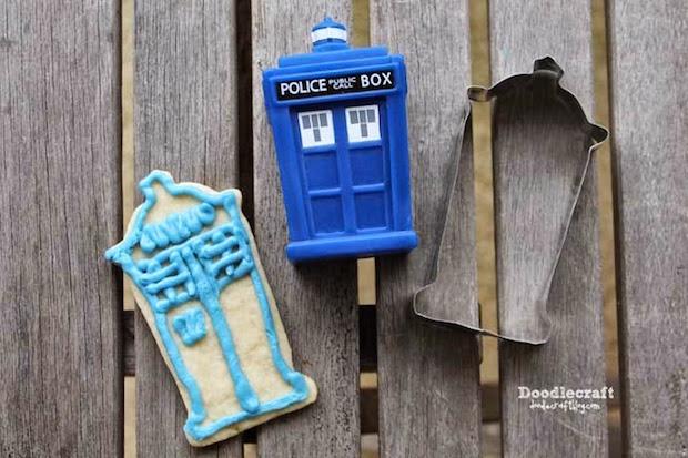 Geek in the Kitchen: DIY TARDIS Cookie Cutter