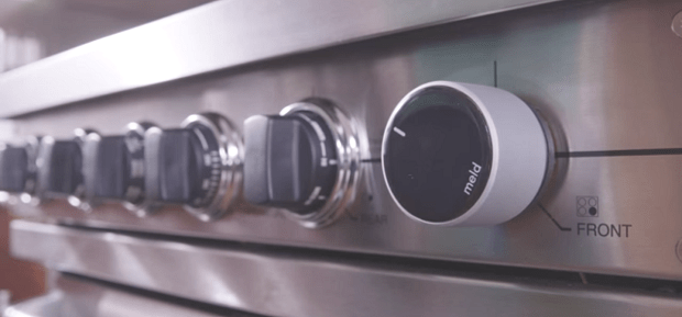 Smart Knob Lets You Control Your Oven Precisely Via Phone