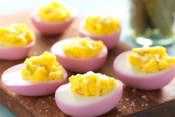 pink-deviled-eggs-1
