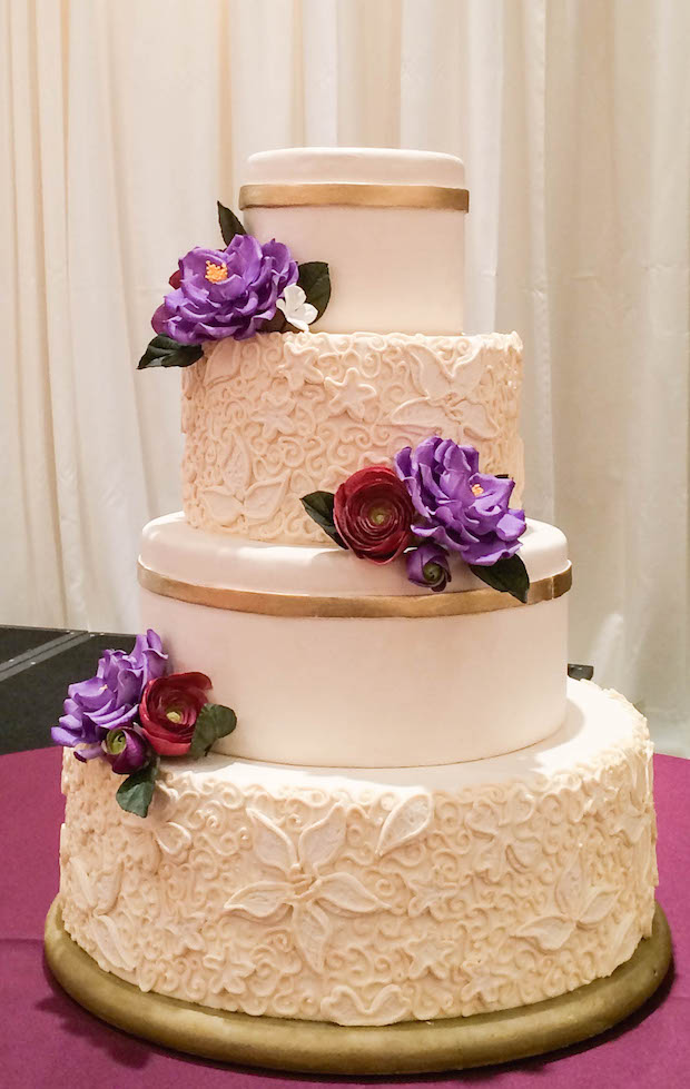 Frost to Impress: Cake Decorating with Simple Scroll Piping