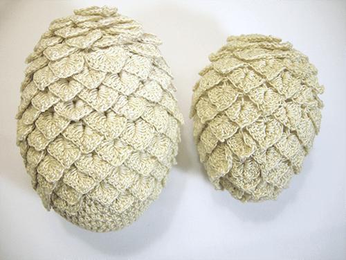 crocheted-dragon-eggs-1