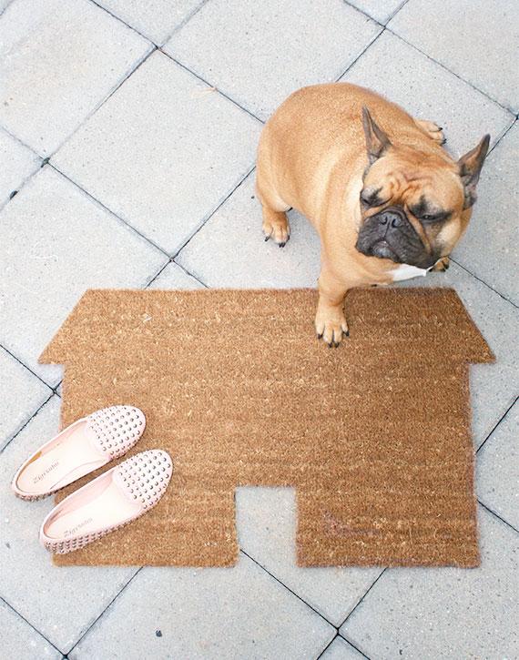 Front Door Decor: DIY House-Shaped Doormat