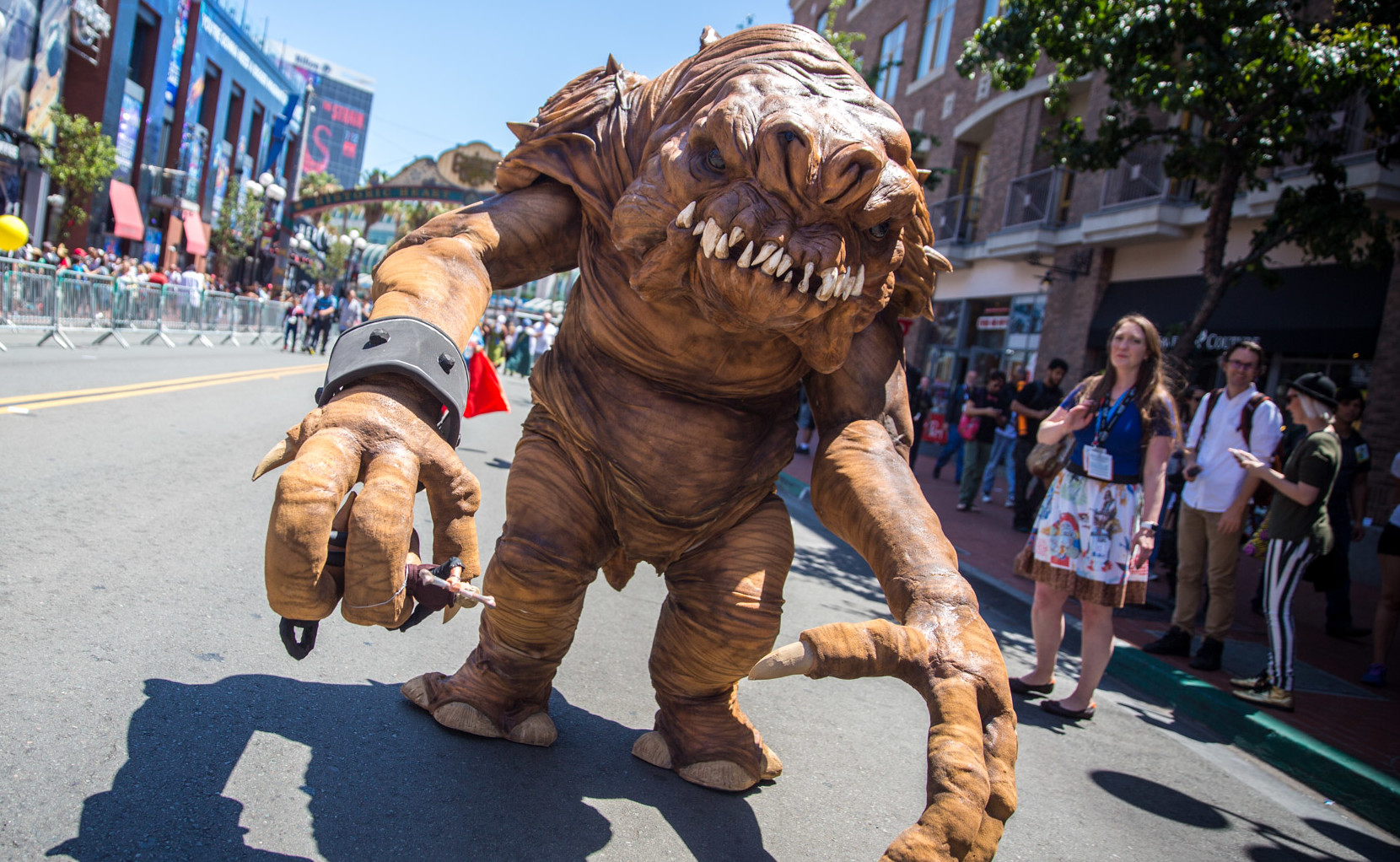 This Rancor Suit Is the Most Realistic Star Wars Cosplay Ever