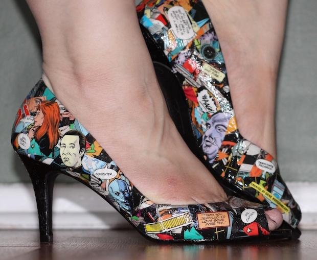 DIY Fashion: Comic Book Shoes
