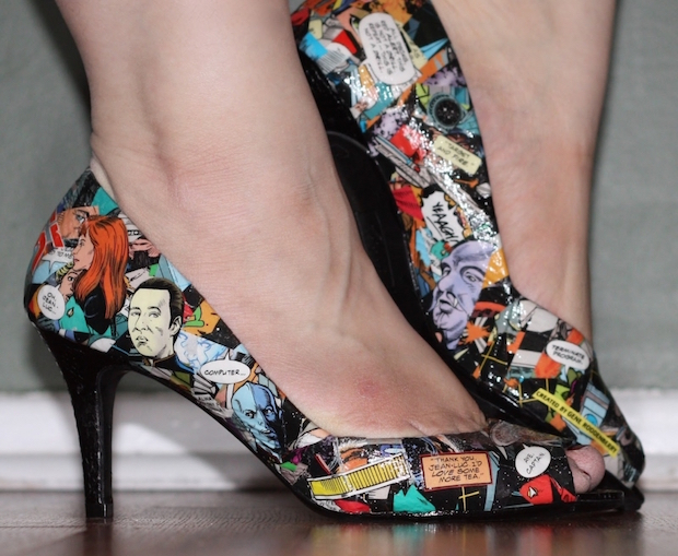 DIY Fashion: Comic Book Shoes