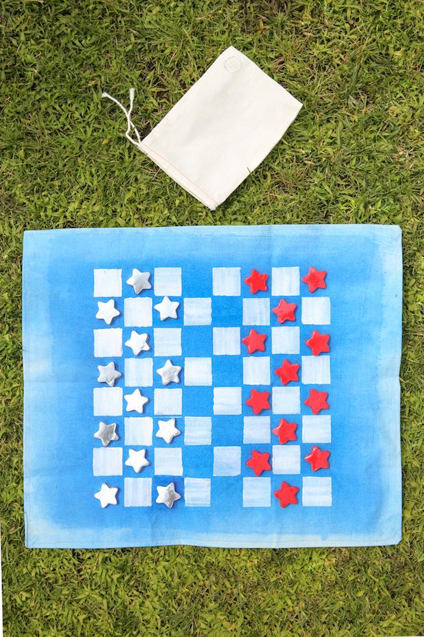 Backyard-Friendly Travel Checkers