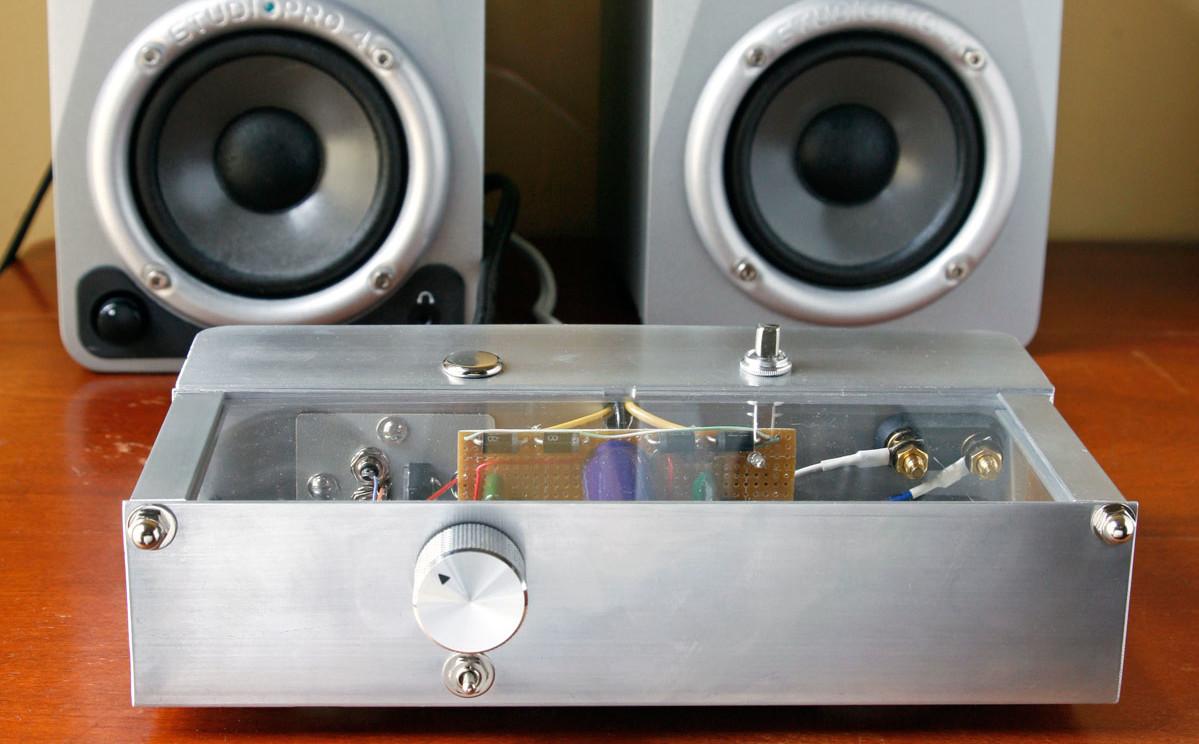 Build A Bare Bones Skeleton Amplifier Music Make Power Supply Regulator Mini 9v 075a By Transistor Electronic