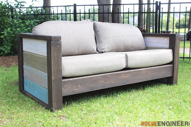 Backyard Builds: Wood Plank Loveseat