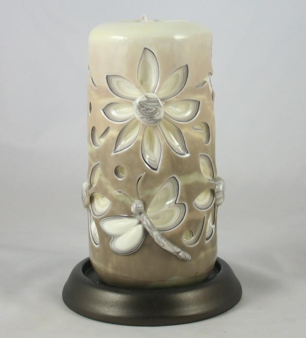 Daisy carved candle