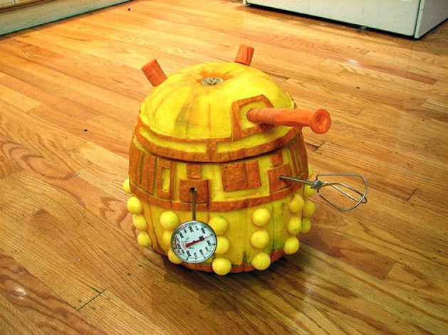 'Exterminate!'- Windell Oskay's Robotic Dalek Pumpkin can actually move around and even turn its head!