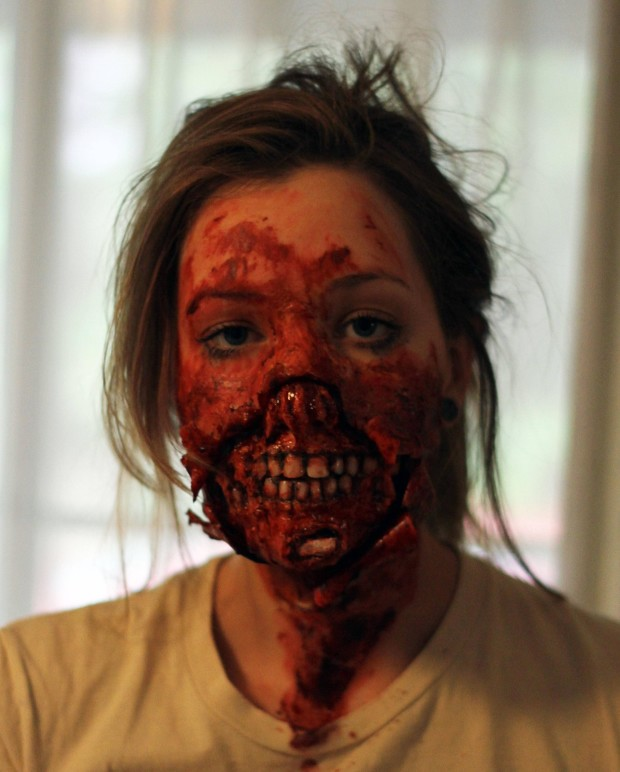 8 seriously scary halloween costumes craft make zombie makeup solutioingenieria Gallery