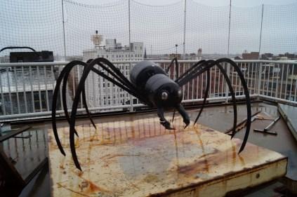 Propane tank spider