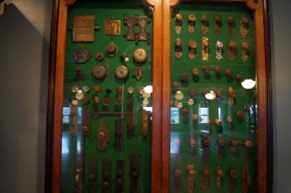 Door knobs through history