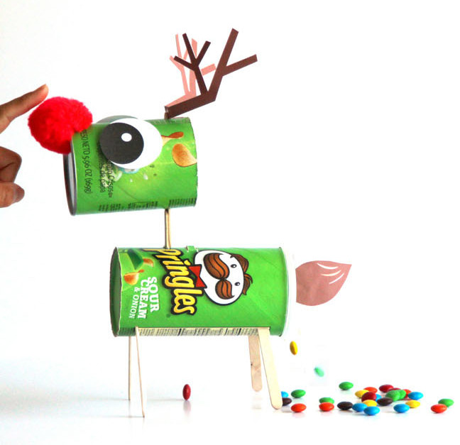 Make a Candy-Pooping Reindeer from a Pringles Can