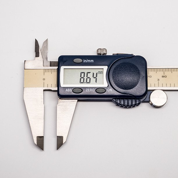 Store-Tool-FowlerCalipers-CloseUp