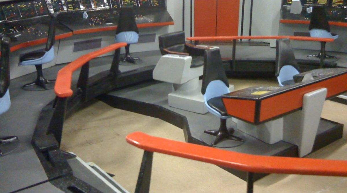 Star Trek Desk Hostgarcia