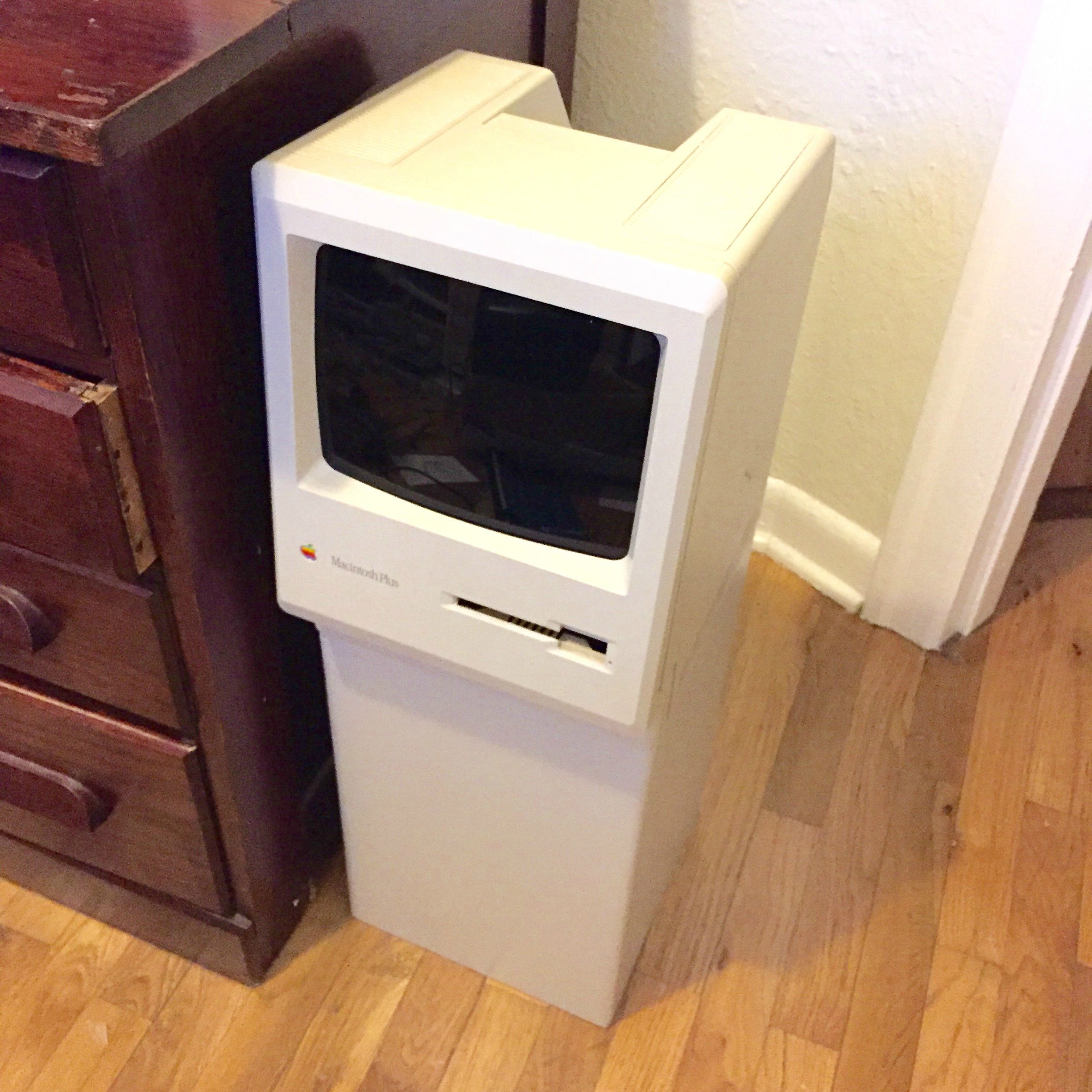 This Vintage Macintosh Was Saved from the Trash (Sort Of)