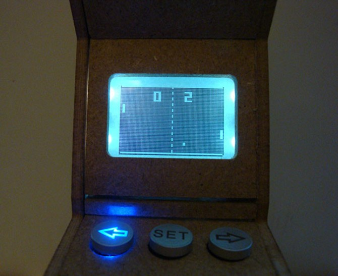 There's even a start up screen replicating the classic Pong game.