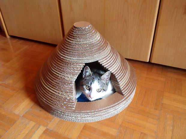 article featured image 7 diy cat houses you can make in a weekend   make   rh   makezine