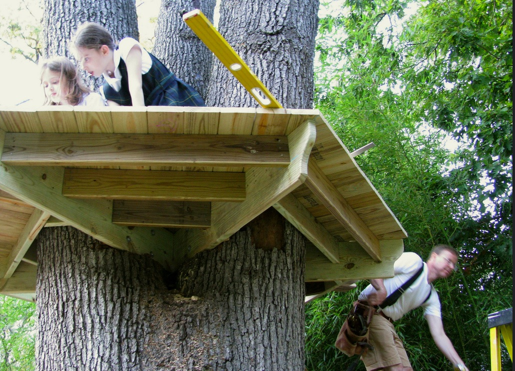 Make S Guide To Backyard Forts Treehouses And Other Fun
