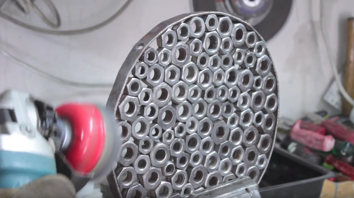 how to clean rusty wheel nuts