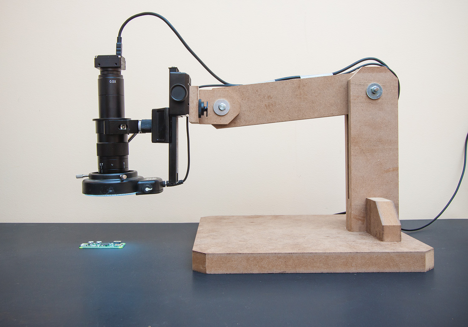 Build a Dirt Cheap Microscope Arm for Your Workbench
