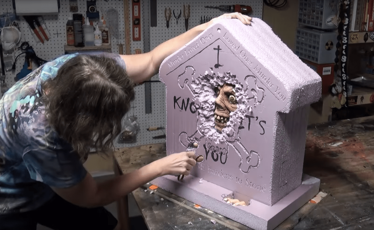"Weekend Watch: Epic Haunted House Builds from ""Scary Lady Videos"""
