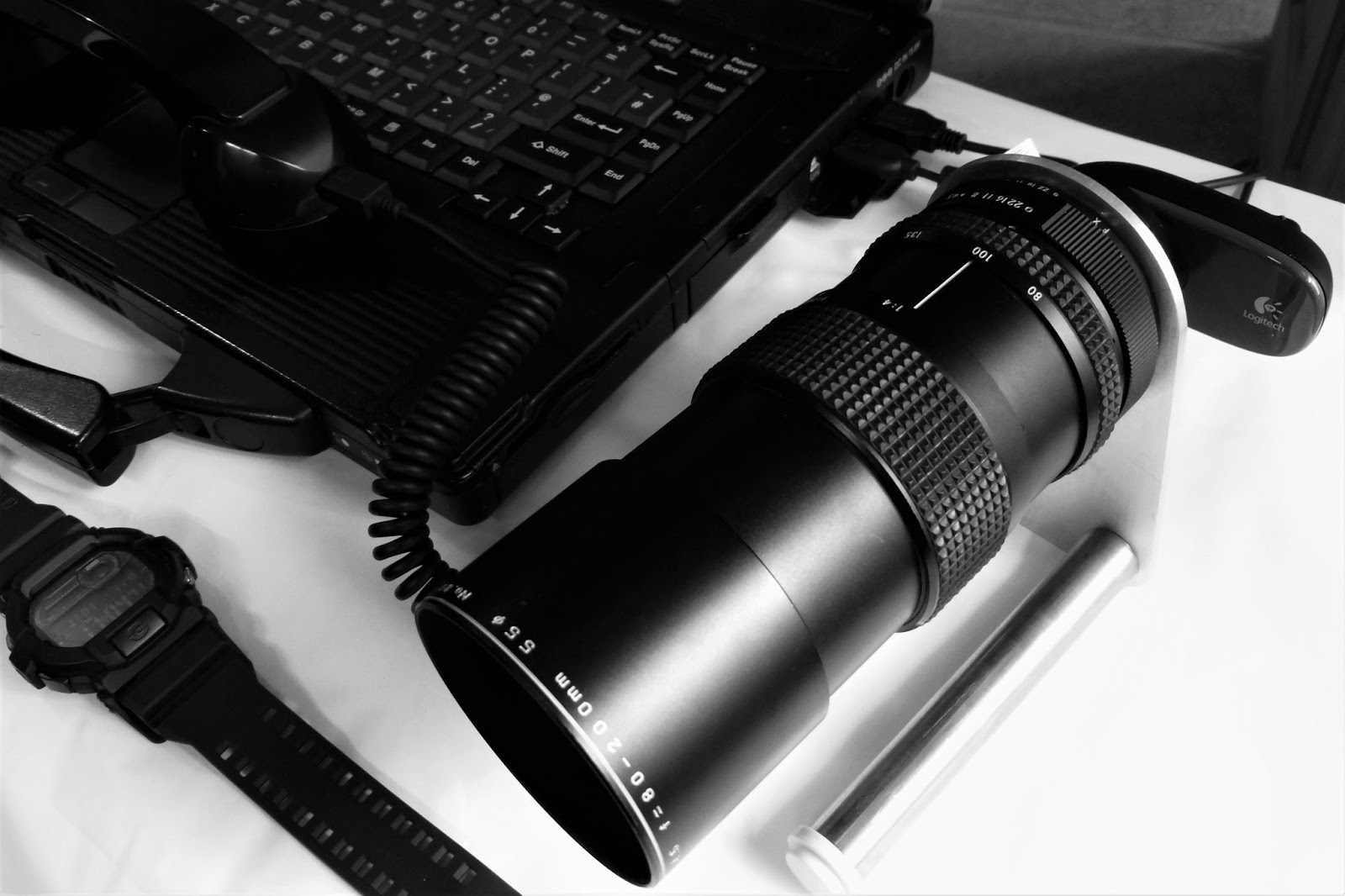 Hacking a 35mm SLR Lens to Turbocharge Your Webcam