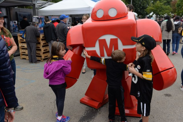 Makey's making friends for life. (Sunday, Mike Senese)