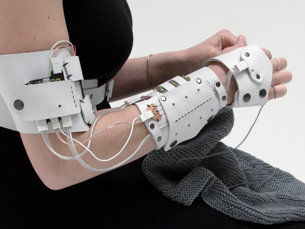 The Cybernetics of Knitting