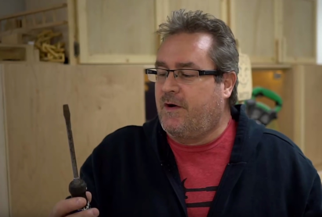 """Quick Tip: Know Your Screwdrivers (Hint: It's Not a """"Flathead!"""")"""