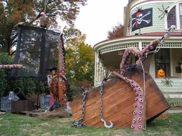 Ghosts magic and a kraken check out the winners of our for Decoration jardin halloween