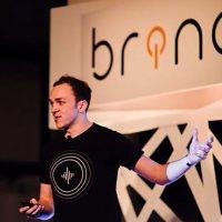 Brinq-on-stage-opener