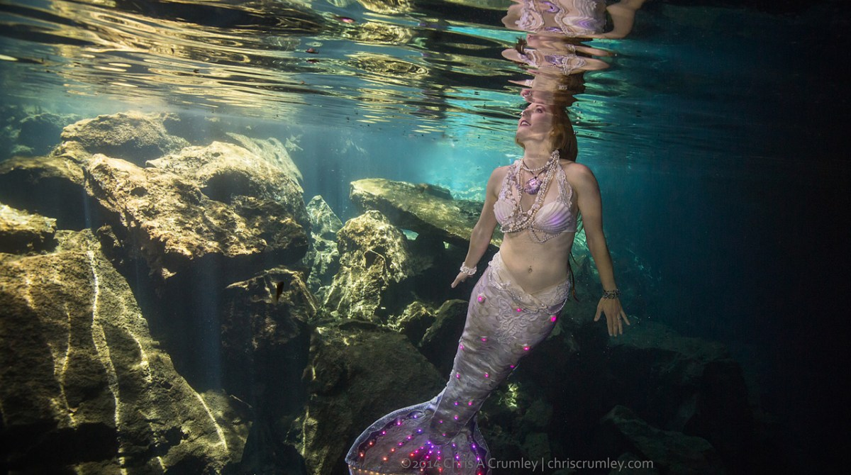 This Gorgeous Mermaid Tail Lights Up Underwater