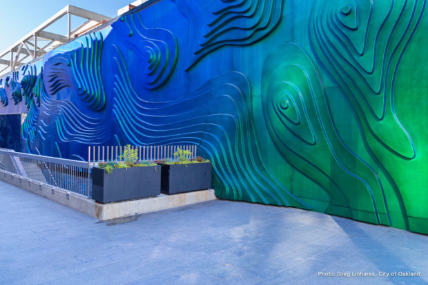 One of the entrances to 19th St Bart, which is actually nestled in a 17th St alley. Photo by Greg Linhares