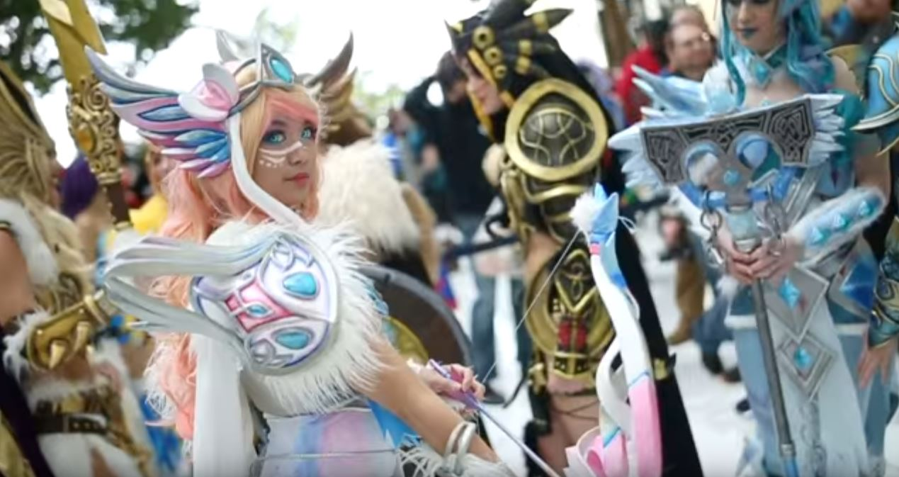 Weekend Watch: Cosplay, Painting, and Drumming with Gladzy Kei