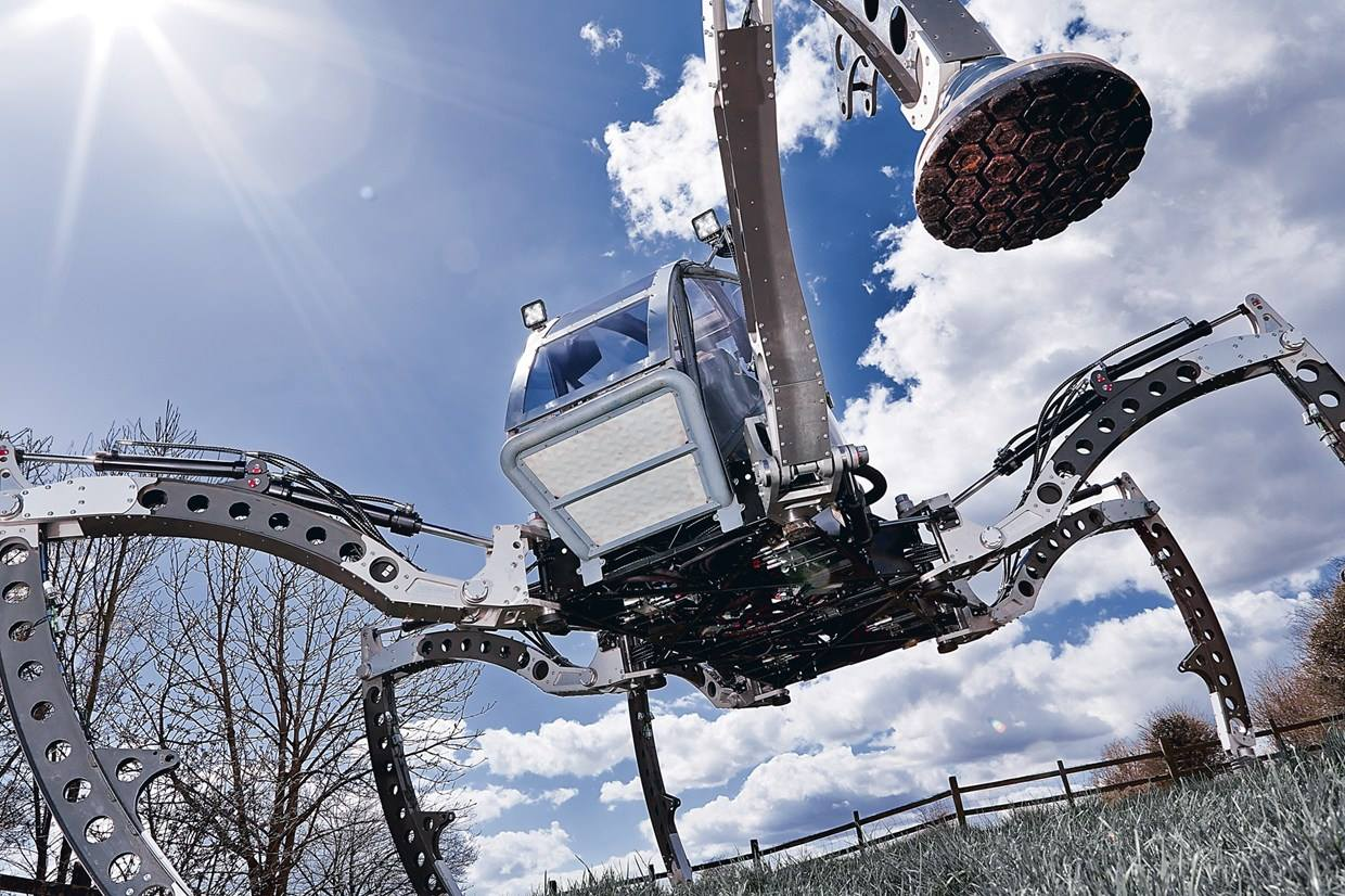 A Two-Ton Turbo Diesel Hexapod Will Roam Maker Faire Hannover