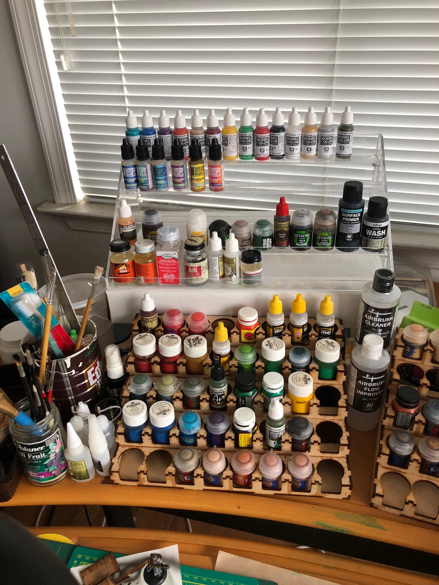 Tips of the Week: Choosing a Sewing Needle, Cheap Craft Shelving, Working with Epoxies, and Generating Gears