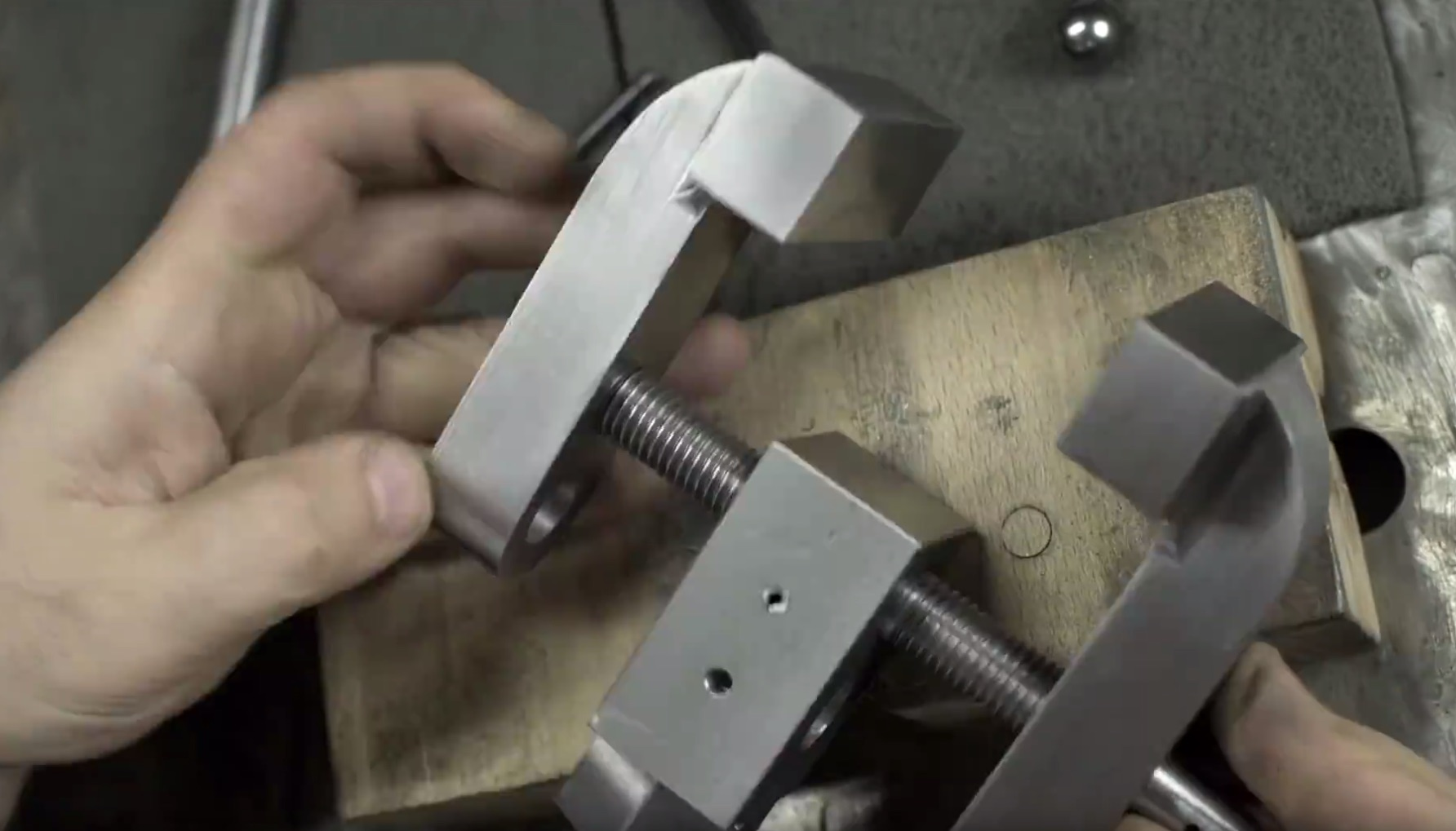 Making A Bench Vise Clamp Thingy With This Old Tony Make