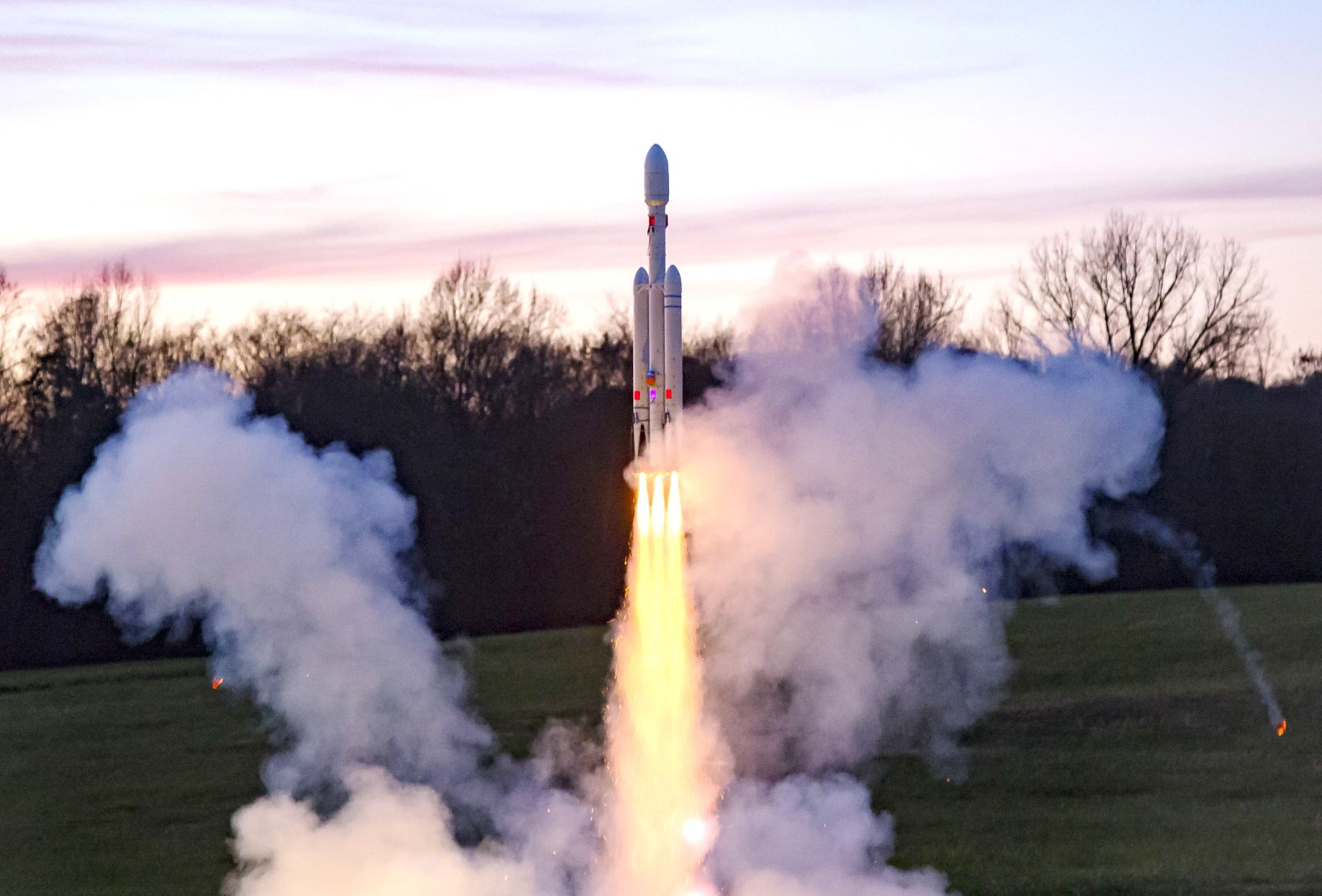Build Your Own Thrust Vectored Rockets For Vertical Landings Like SpaceX