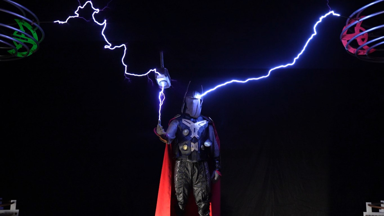 400,000-Volt Extreme Thor Cosplay - Make: