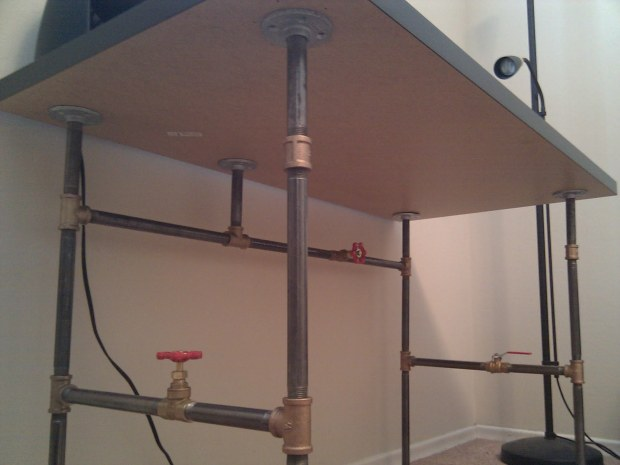 Create Your Own Custom Desk from Plumbing Pipe