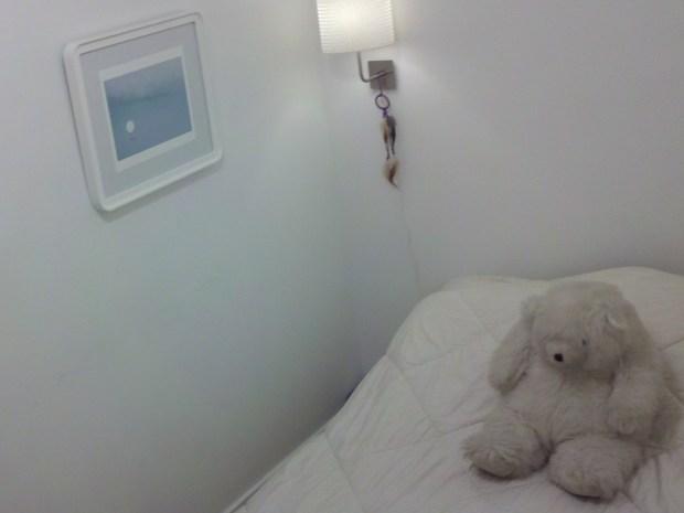 DIY Bedroom Make-Over