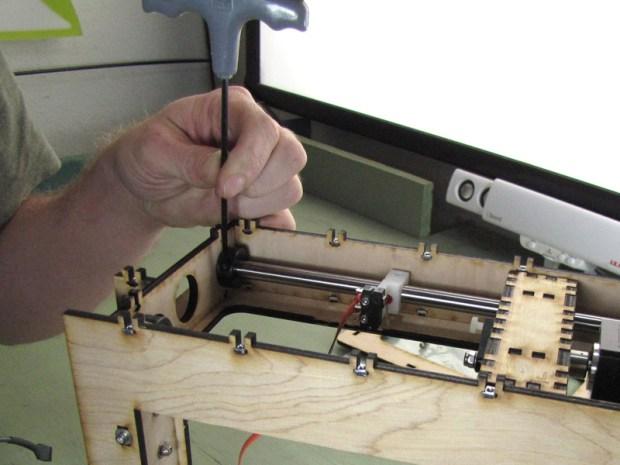 The MakerGear Mosaic 3D Printer – Part IV: The Z-Axis