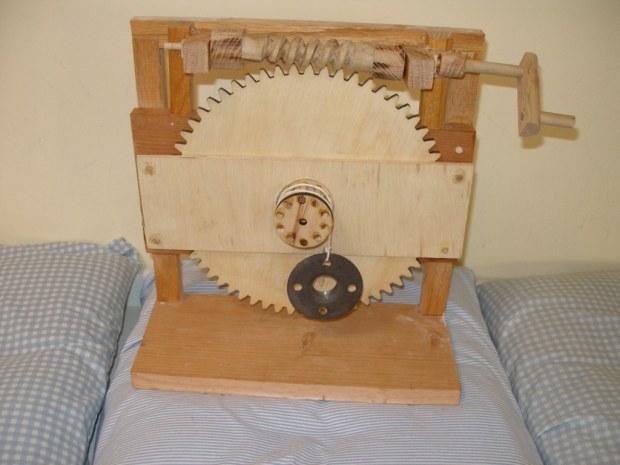 Roll Your Own Da Vinci Style Worm Gear
